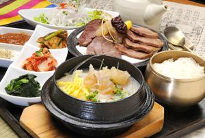 韩式牛肉石锅汤饭