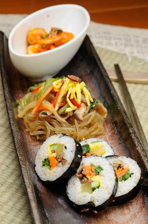韩紫菜卷/ 辣年羔/ 杂菜