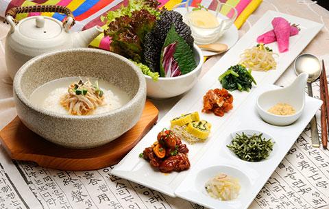 名古屋コーチンのタッカルビと石焼き韓方粥(韓国風ぞうすい)セット
