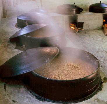 韓国南東部のハンマリ(甕壺)